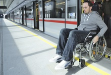 A man in a wheelchair leaves the underground barrier-free